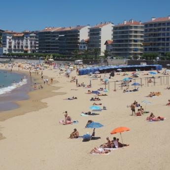 la plage avant le tsunami touristique